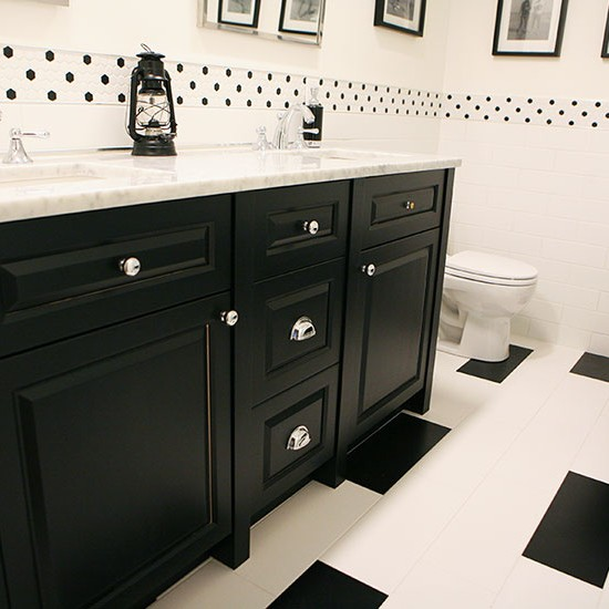 Custom Bathroom Cabinets and Finishes
