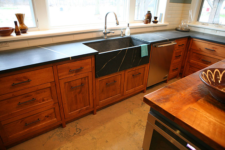 Custom Kitchen Countertops and Cabinets