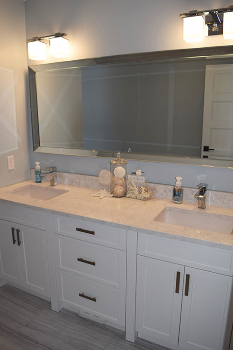 Ontario Custom Bathroom Cabinets & Finishes