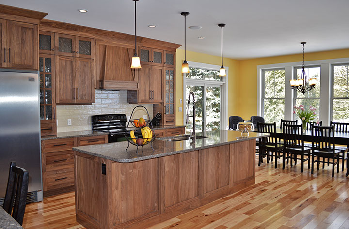 Custom Kitchen Cabinets and Custom Finishes