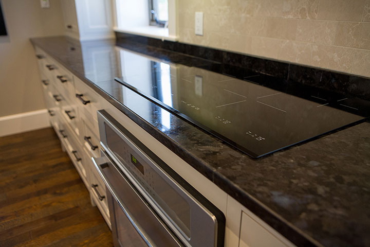 Custom Kitchen Cabinets and Countertops Ontario