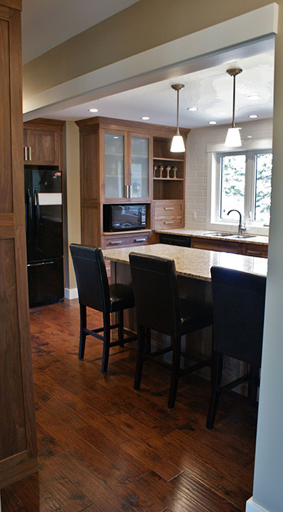 Ontario Kitchen Renovations & Custom Cabinets