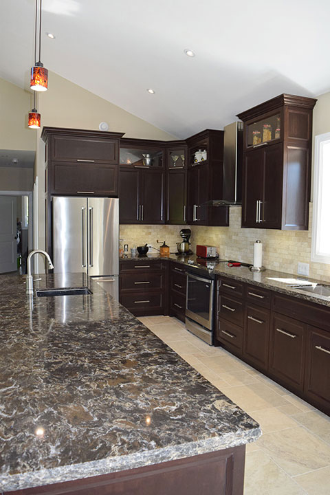 Custom Kitchen Design and Renovations